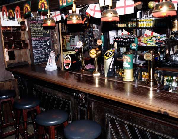 London Pub drinnen